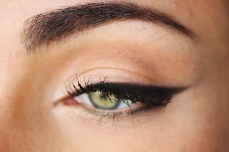 Easiest Eyeliner Technique EVER!