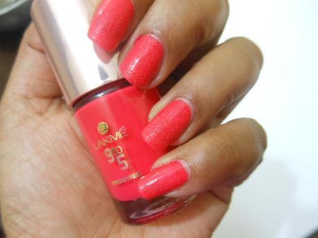 Lakme 9-to-5 Frosties Nail Color Pink Frost
