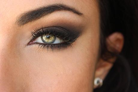 Sexy Dark Vampy Makeup Tutorial