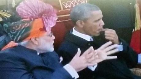 Obama chews gum in India