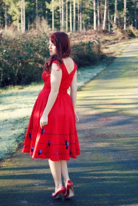 Eshakti Dress and Retro Styling | www.eccentricowl.com