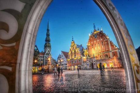 House of Blackheads at dusk. Riga, Latvia #BalticTR