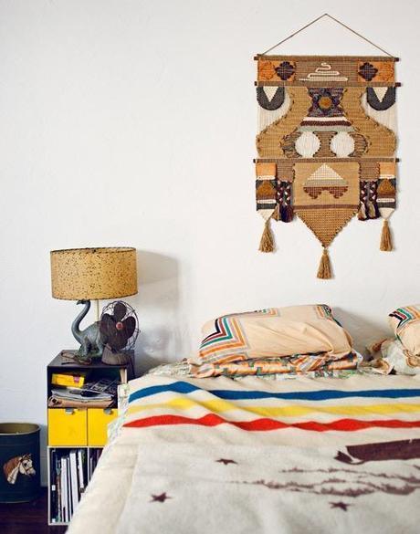 wall-hanging-design-sponge-bedroom