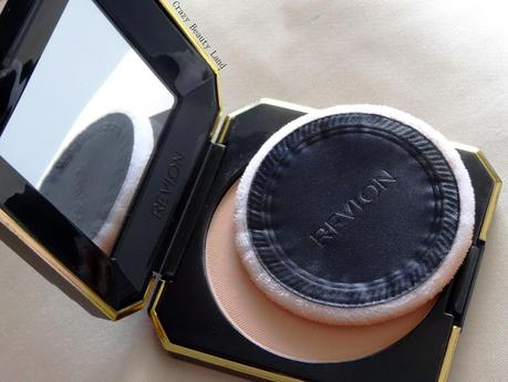 Simple Pleasures: Revlon Touch and Glow Moisturizing Powder Compact in Ivory Matte