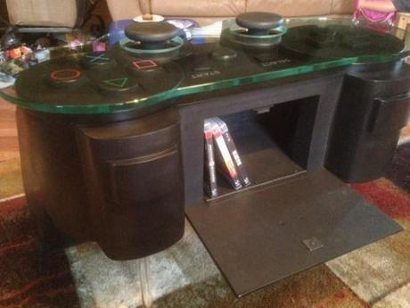 playstation-table-2