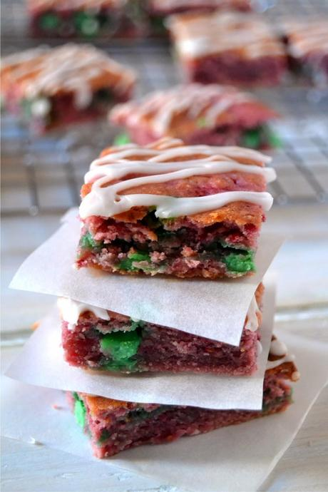 raspberry mint chip blondies