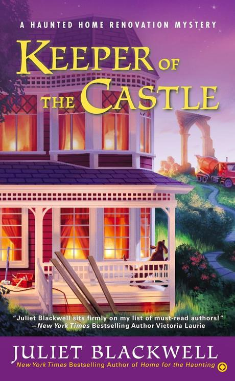 Review:  Keeper of the Castle by Juliet Blackwell