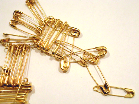 8 Unusual uses of the safety pin