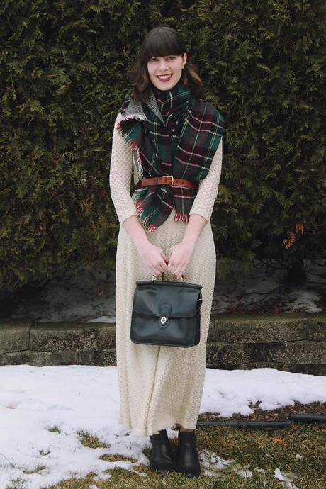 how-to-style-vintage-dresses-during-winter