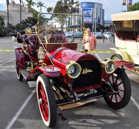 some of the 100 year old cars in San Diego met up this morning, I wish this happened more often, they are very interesting to look over