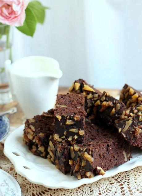 Slow Cooker Mexican Chocolate and Zucchini Cake