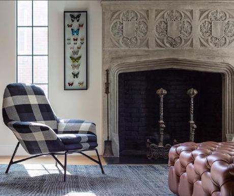 hacin-living-room-fireplace