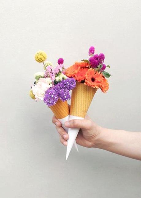 ice-cream-cones-with-flowers