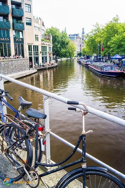 Amsterdam Canal Cruise: Views from the Water