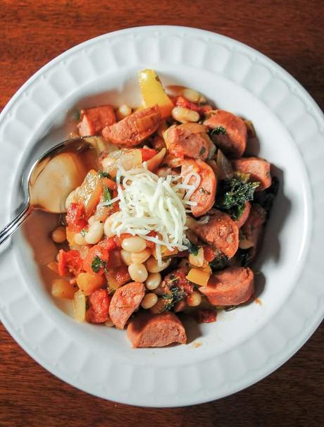 Skillet Turkey Sausage with Peppers, Beans and Kale