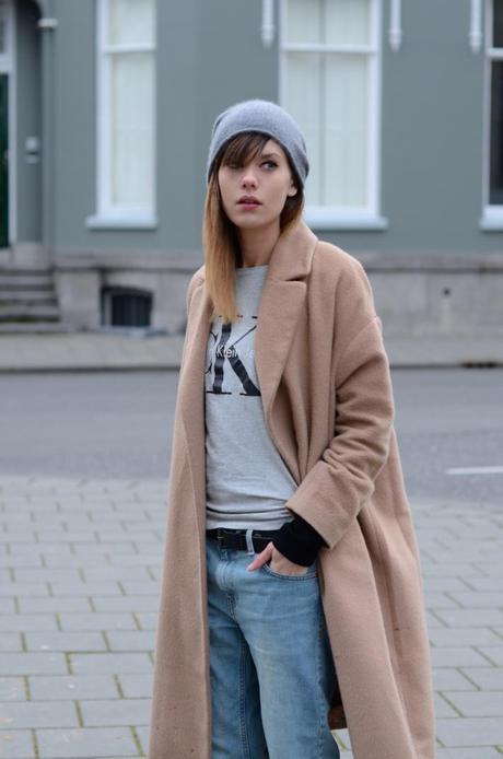 outfit oversized camel coat