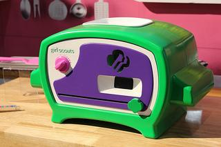 toy fair 2015  girl scout cookie oven   paperblog