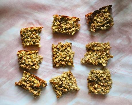 Four ingredient banana oat bars