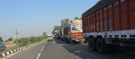 Trucks_on_NH1,_waiting_to_cross_Wagah_border