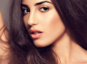 Model Makeup Natural Glowing Skin with Nadya