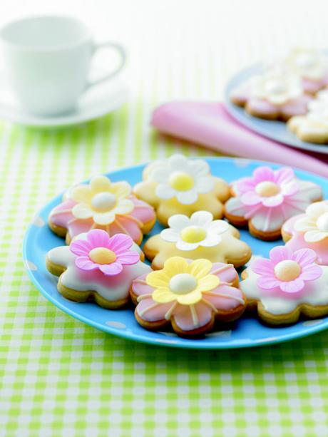 photo Wafer Daisy Cookies_High res_zpsv6afslon.jpg