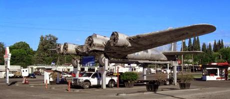 The gas station B 17 of Art Lacey, near Portland Oregon is getting restored to fly again... it's going to take about 7 years