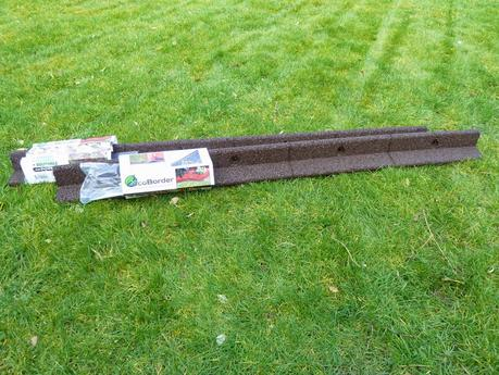 Recycleable Lawn Edging ideas