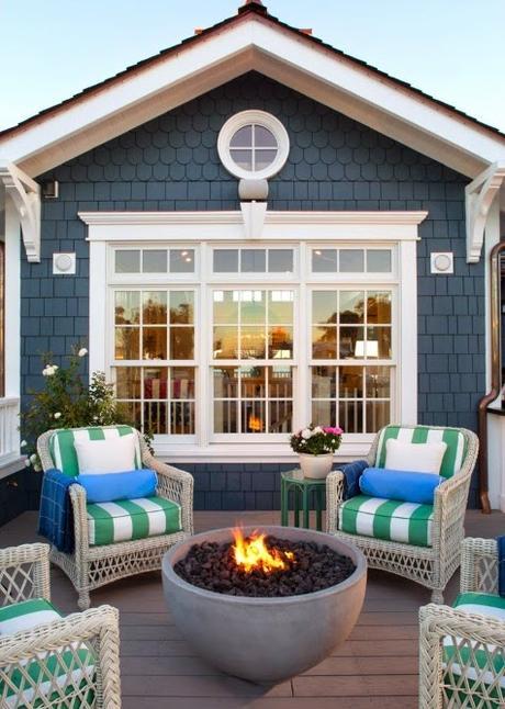 White window trim verses brown metal trim paperblog - Brown house with white trim ...