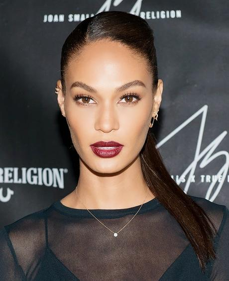 Makeup Of The Day | Joan Smalls in Stunning Wine Color That Will Make You Sigh