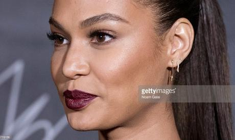 Makeup Of The Day | Joan Smalls in Stunning Wine Color LipstickThat Will Make You Sigh