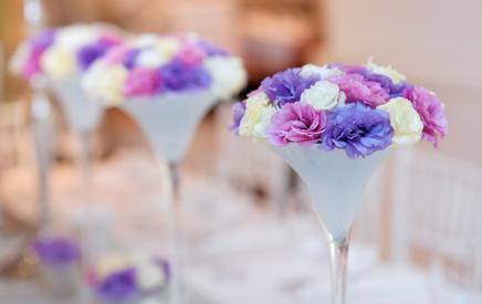 Wedding Planners - Find and provide high-end decorative irtems