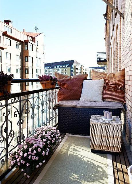 Loft and Condo ideas:  For all those condo and loft dwellers, there are some great balcony ideas here:  29 Practical Balcony Storage Ideas | DigsDigs