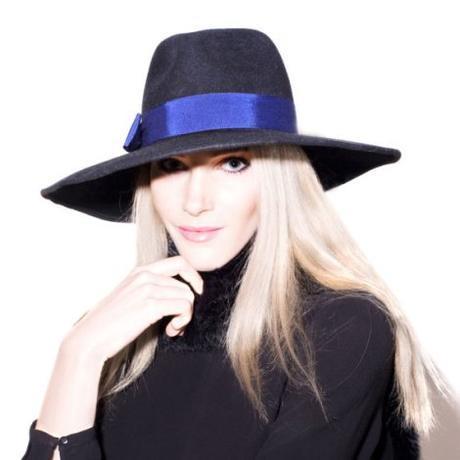 Mademoiselle-Slassi-Chapeau-Hat-_MG_9786-carre-2-570x570