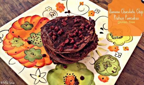 Banana Chocolate Chip Pancakes {gluten free} via @FitfulFocus