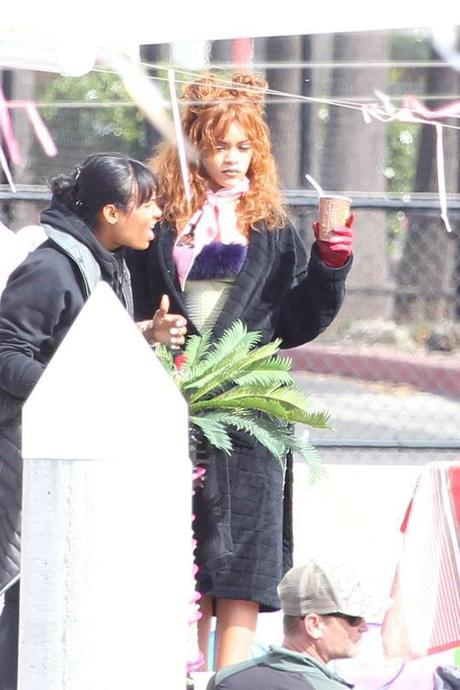 RIHANNA ON THE SET IN CALIFORNIA