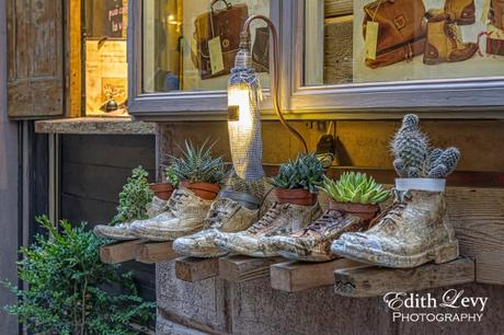 Italy, Tuscany, Montepulciano, shoes, shoe store, display, travel photography