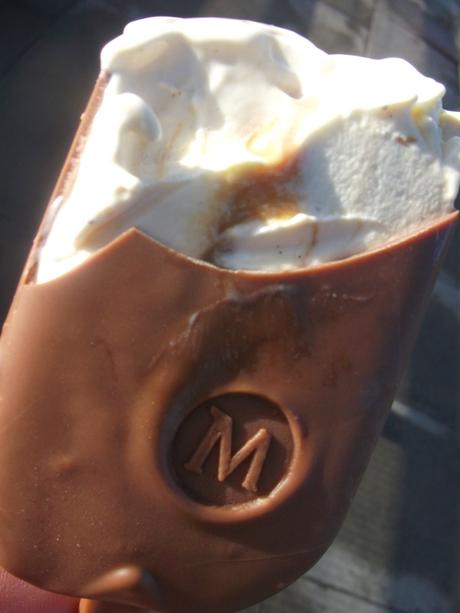 NEW! Magnum Salted Caramel Review