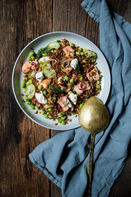 rye_salmon_bagel_salad_1