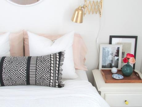 Lumbar Pillow DIY from a Table Runner | Francois et Moi