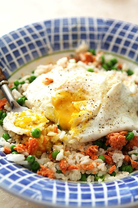 Rice and Egg Bowl with Salmon and Peas
