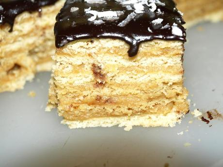 Layered Cake with Caramel and Orange Cream - Paperblog