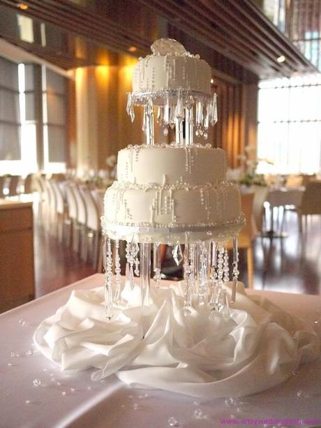 The Crystal Cake There are plenty of ways you can do your crystal wedding