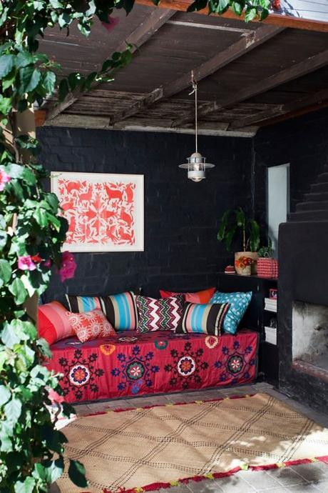 boho-backyard-from-design-sponge-at-home-book