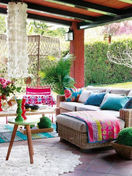 boho-backyard-patio-capiz
