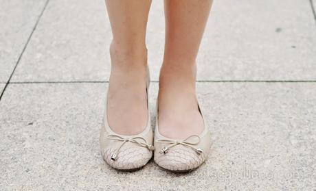 Pictures of Worst Shoes: Foot Pain, High Heels, Flip Flops, and More