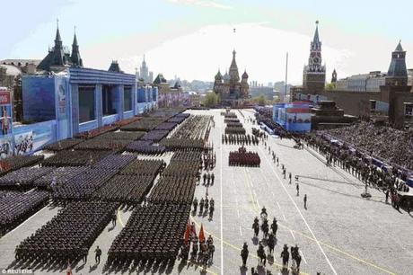 Russian grand Victory Parade ~ Pinnipeds (Seals) too join the show !!
