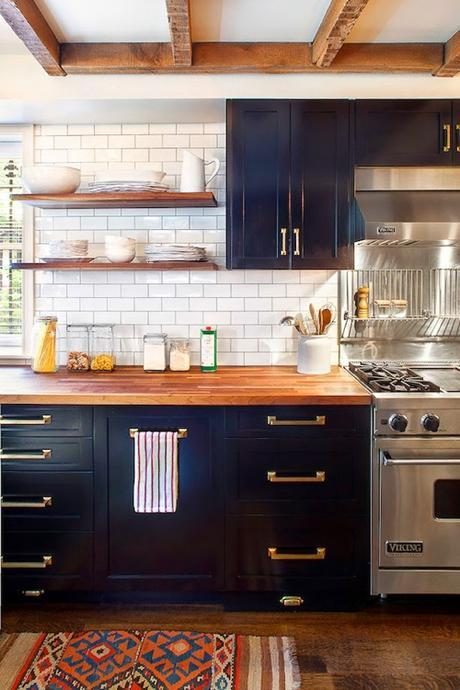 brass-and-navy-kitchen-with-wood