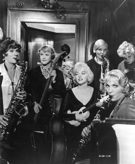 Some Like It Hot. My favorite movie. Ever. #1. Ever. Did I mention that this is my favorite movie ever? <3 <3 <3