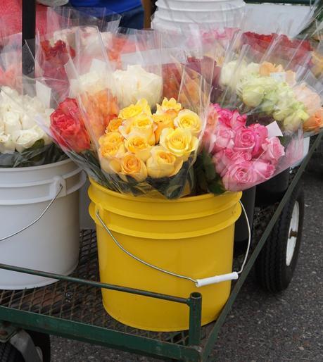 Flowers at the Farmer's Market | Francois et Moi
