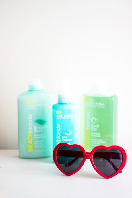 Beach Waves For Short Hair // John Frieda® Beach Blonde™